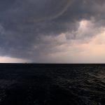 Wielka burza i drinki w wiaderkach