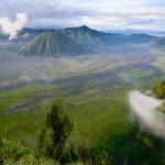 Świt z widokiem na wulkan